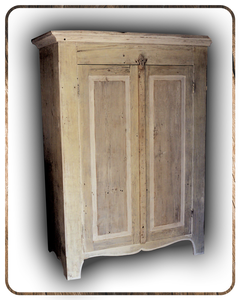 Nantucket-Armoire